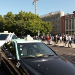 Cresce la protesta dei tassisti contro la legge su Uber