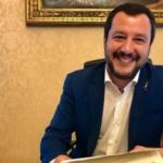 Chiesta l'archiviazione della accuse al Ministro Salvini che saluta i gufi dei centri sociali