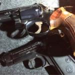 Cinecittà, moto rubate e armi in un garage delle case popolari