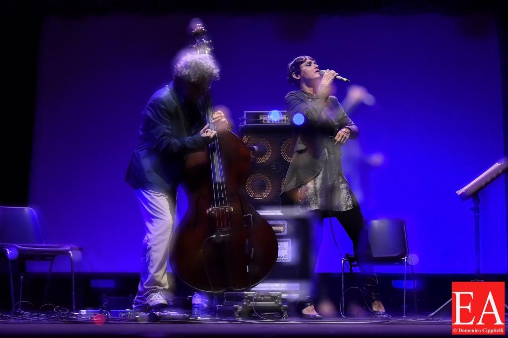 Musica Nuda - Una Striscia di Terra Feconda