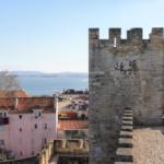 Il castello di Lisbona, il più bel punto panoramico della città arroccato nella storia