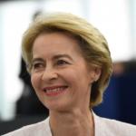 Il Parlamento europeo ha approvato la nuova Commissione von der Leyen
