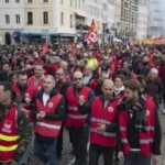 Grève générale: Francia paralizzata dallo sciopero contro la riforma delle pensioni