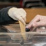 Francia, primo turno delle elezioni municipali: al voto con il COVID-19