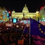 Praga, le nuove proteste e i controlli dell'UE