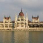 Covid-19, in Ungheria il Governo chiede poteri illimitati