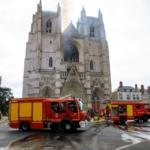 Francia, dinamiche ed indagini del grave incendio nella cattedrale di Nantes