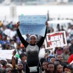 Che cos'è #EndSARS, il movimento di protesta nigeriano contro la brutalità della polizia
