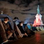 Francia: il violento sgombero della polizia e la contestata legge sulla sicurezza